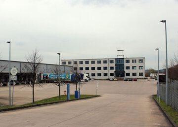 Lauenau: 1227 m² moderne Bürofläche in 3 Etagen 31867 Lauenau, Bürohaus