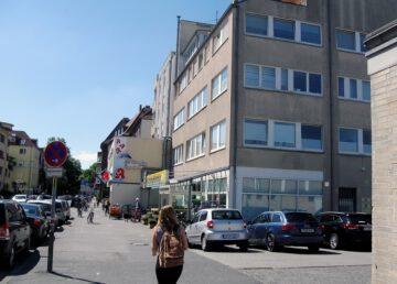 Südstadt: 1-Z-Wohnung, saniert, mit Südbalkon, Geschäfte vor Ort 30173  Hannover, Etagenwohnung