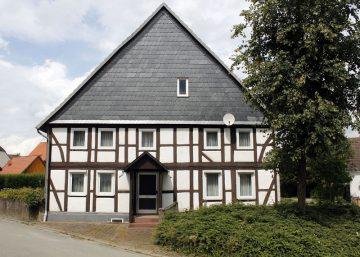 Ottenstein: ehem. Bauernhof mit Sichtfachwerk und Scheune 31868 Ottenstein, Einfamilienhaus