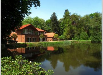 Büro mit Seeblick: 1997 kernsaniertes Landhaus von 1780 31832 Springe, Bürofläche