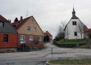 Brünnighausen: EFH mit Einliegerwohnung mit Bach 31863 Coppenbrügge, Einfamilienhaus