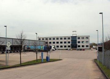 Lauenau: 1.506 m² moderne Bürofläche in 3 Etagen 31867 Lauenau, Bürohaus