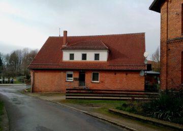 Coppenbrügge-Brünnighausen: Zwei- bis Dreifamilienhaus mit Bach 31863 Coppenbrügge, Zweifamilienhaus